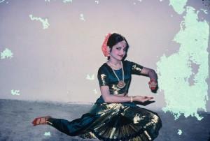 Mathura posing Asaindaadum.